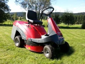 6601721-zahradni-traktor-sekacka-mountfield-rider-xf-140-hd-1